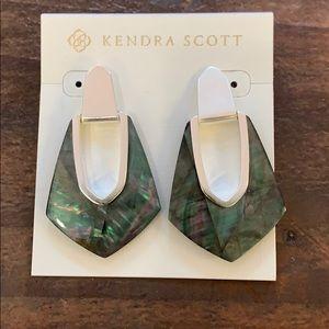 Kendra Scott kensley earring black mother of Pearl